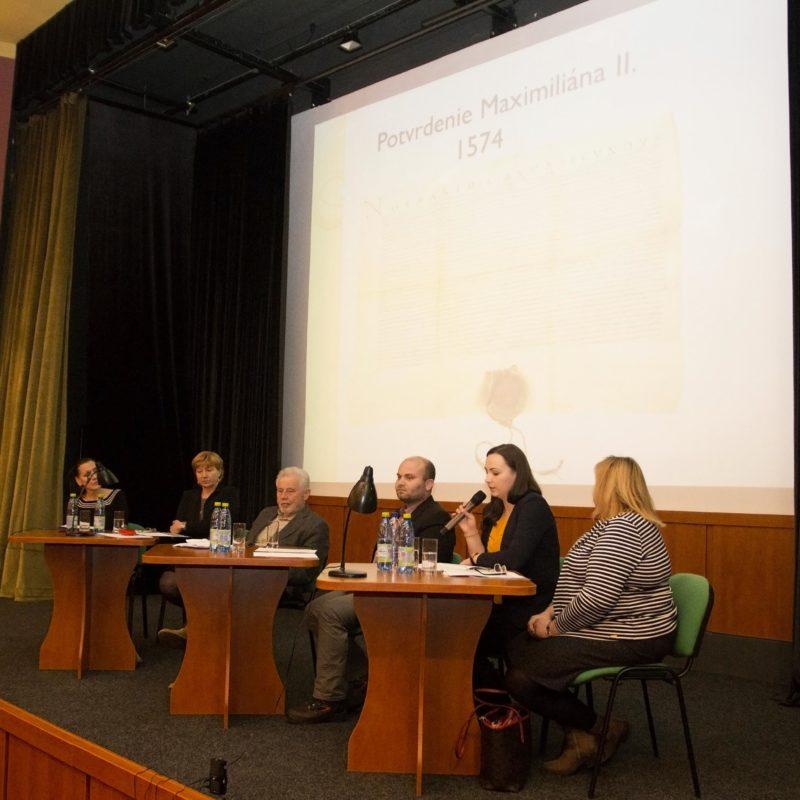 Odborná pracovníčka archívu Terézia Juráčková. Foto: Róbert Svíba