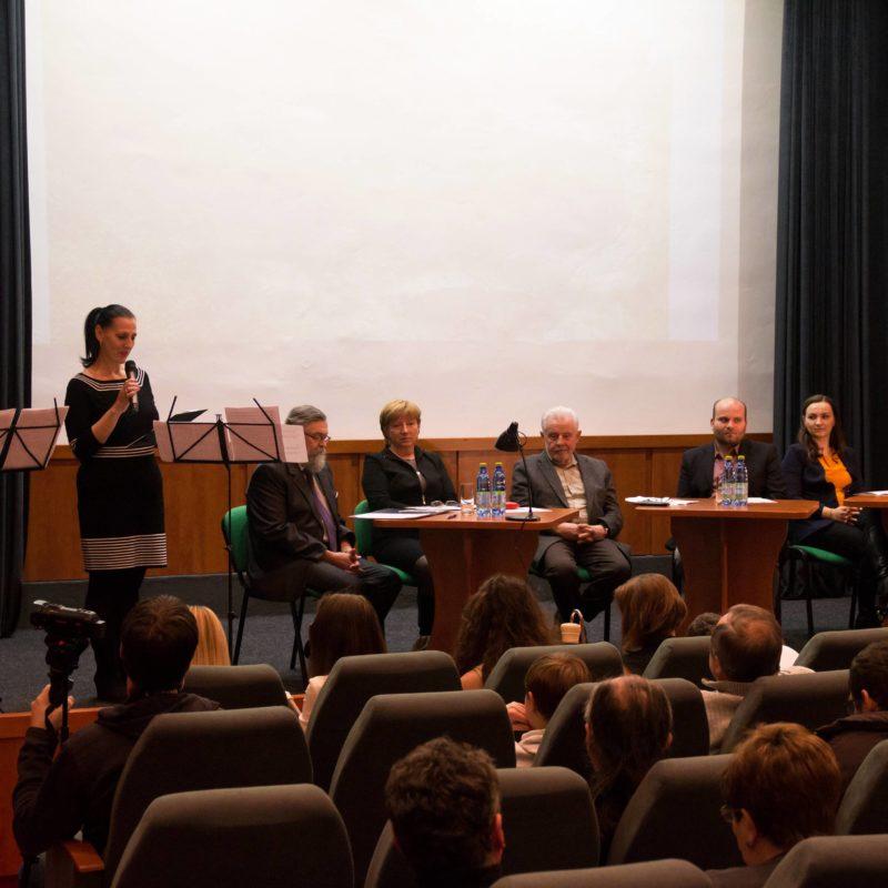 Podujatie moderovala vedúca odboru kultúry mesta Skalica Jana Koutná. Foto: Róbert Svíba