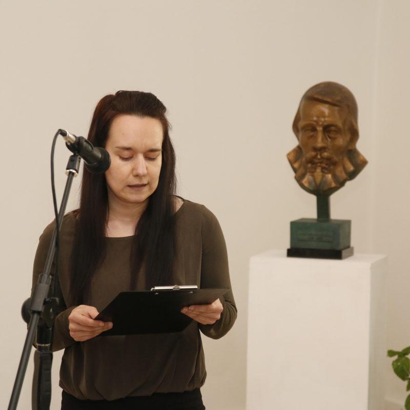 Úryvok z hry Svätý z Hlubokého predniesla odborná pracovníčka Záhorského múzea v Skalici Mgr. Dita Csütörtökyová, PhD. Foto: Róbert Svíba