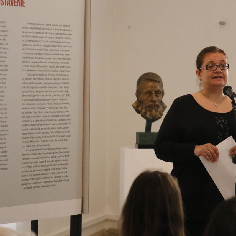 Kurátorka výstavy Mgr. Juliana Beňová. Foto: Róbert Svíba